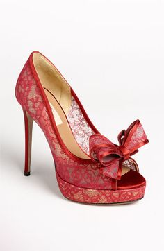 Red lace shoes #wedding #inspiration #details #shoes #lace #red