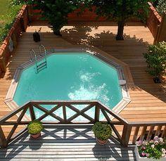 Une piscine de petites dimensions qui s'installe partout, même en ville. Structure en pin rouge du Nord traité par autoclave. Atoll. Wood-Line.
