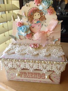 Altered box with easel card on top for my swap with Laura therobnlaura in YouTube!