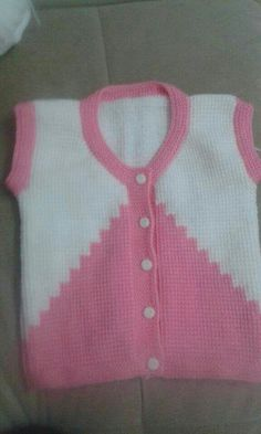 Tunisian Work 2 Color Easy Child Vest Making. Baby Knitting Patterns, Baby Sweater Patterns, Knitting For Kids, Knit Baby Dress, Crochet Baby Clothes, Baby Cardigan, Kids Vest, Baby Girl Sweaters, Baby Cover