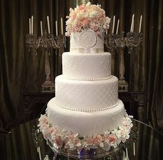 Impress your guests with these 5 wedding cakes! – Almost There Bride - Wedding Cake Big Wedding Cakes, Luxury Wedding Cake, Amazing Wedding Cakes, Elegant Wedding Cakes, Wedding Cake Designs, Trendy Wedding, Dream Wedding, Pretty Cakes, Beautiful Cakes