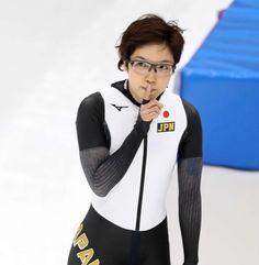 スピードスケート女子500メートルの小平奈緒の金メダルから一夜明け、前日には気づかなかったレース後の映像に目を奪われた。五輪記録に金メダルを確信して沸き立つ… - 日刊スポーツ新聞社のニュースサイト、ニッカンスポーツ・コム(nikkansports.com)