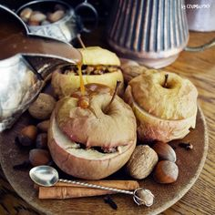 Halloween the most wonderful time of the year #halloween #witcher #wiedźmin #autumn #fall #photooftheday #baked #apples #instafood #yummy #game #food #gwintkuchniawiedzminska Recipe comes from @nerdskitchen <3