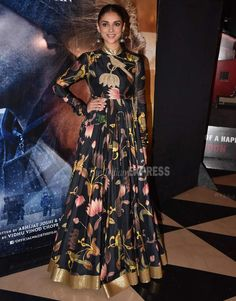Aditi Rao Hydari in Rohti Bal at a photocall for Wazir in Mumbai Indian Gowns Dresses, Indian Fashion Dresses, Dress Indian Style, Indian Designer Outfits, Pakistani Dresses, Indian Outfits, Long Dress Design, Anarkali Dress, Anarkali Suits