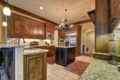 Pair your rich and gorgeous Espresso kitchen cabinets with complimenting countertops and see the magic happening. Espresso Kitchen Cabinets, Rta Cabinets, Custom Cabinets, Types Of Cabinets, Kitchen Cabinet Organization, Countertops, Kitchen Design, Household, Diy
