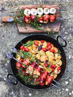 Jamie Oliver Chicken, Low Carb High Fat, Perfect Roast Chicken, Chicken Skewers, Chicken Thigh Recipes, Gluten Free Chicken, Chicken Thighs, Italian Recipes, A Food