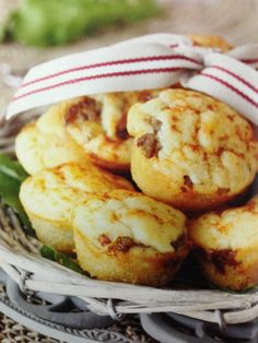 Maalvleis bietjie olie 1 ui, fyngekap 1 ml vars gekapte knoffel Mince Recipes, My Recipes, Dessert Recipes, Cooking Recipes, Favorite Recipes, Recipies, Desserts, Muffin Recipes, Savory Muffins