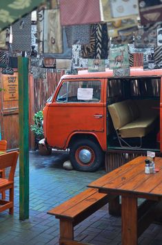 Yes, you can have your lunch in a kombi van at Village Cafe in Swakopmund… Zimbabwe, Seychelles, Sierra Leone, Congo, Ghana, Kenya, Cap Vert, Namibia, Tug Boats