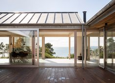 House at Molls Hill by Lenschow and Pihlmann