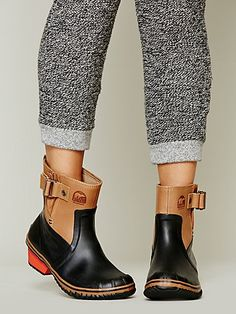 Sorel via Free People. #sorel #winter #boots