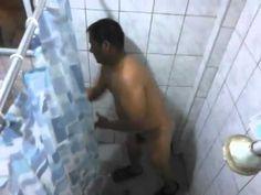 jimmy bañandose