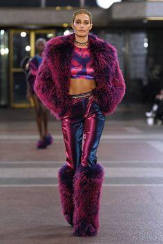 Area Fall 2019 Ready-to-Wear Fashion Show - Vogue Fashion Week, Look Fashion, Diy Fashion, Street Fashion, Runway Fashion, Ideias Fashion, Fashion Show, Fashion Outfits, Womens Fashion