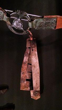 Viking age - comb (bone/ivory) on belt. Gotland