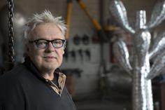 L'artiste Jean-Pierre Morin dans son atelier.  #art #montreal #1700laposte #sculpture Morin, Round Glass, Sculpture, Stone, Artist, Atelier, Sculptures, Sculpting, Statue