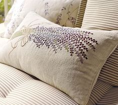 Embroidered Lavender Lumbar Pillow Cover (From Pottery Barn)--I want a pattern! Pottery Barn Pillows, Diy Pillows, Throw Pillows, Lavender Cottage, Lavender Green, French Lavender, Lavender Fields, Cushion Embroidery, Embroidered Cushions