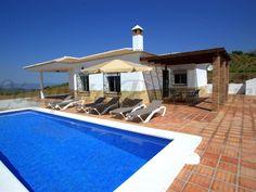 Huur een villa in Salares, Costa del Sol - Malaga dichtbij de golfbaan met 3 slaapkamers. Voor een complete vakantie - HomeAway