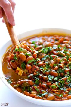 Beans (Frijoles Borrochos) Drunken Beans (Frijoles Borrachos) -- one of my all-time favorite Mexican side dishes! Drunken Beans, Mexican Side Dishes, Good Food, Yummy Food, Mexican Food Recipes, Ethnic Recipes, Chili Recipes, Comida Latina, Cooking Recipes