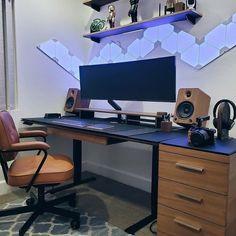 Wood Office Desk, Home Office Setup, Home Office Desks, Work Desk, Desk Inspo, Workspace Inspiration, Office Furniture Design, Workspace Design, Pc Setup
