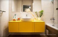 amenajare si mobilare apartament cu doua camere corp suspendat mobilier baie mdf vopsit galben lucios egregor design cluj Double Vanity, Bathroom Ideas, Decor, Decoration, Decorating, Double Sink Vanity, Decorating Bathrooms, Deco