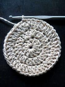 omⒶ KOPPA: kultahippu O - virkatun ympyrän ohje Crochet Hats, Beanie, How To Make, Squares, Education, Fashion, Cotton, Knitting Hats, Moda