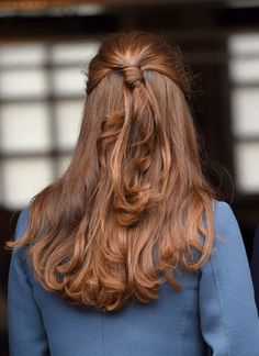A quick visit from her hairdresser made sure that Kate Middleton had a bouncy blowout for her first postbaby appearance.
