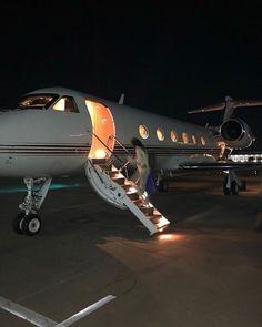 Jets Privés De Luxe, Jet Privé, Boujee Lifestyle, Foto Glamour, Flipagram Instagram, Luxury Private Jets, Private Plane, Billionaire Lifestyle, Travel Aesthetic