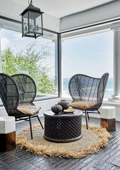 Situated on the rocky cliffside above Cape Town's famed beaches of Clifton, this sophisticated beachside bolthole is the epitome of modern coastal living. White Interior Design, Interior Styling, Modern Coastal, Coastal Living, One Kings Lane, Clifton Houses, Hotels In France, Brick Cladding, Flooring Options