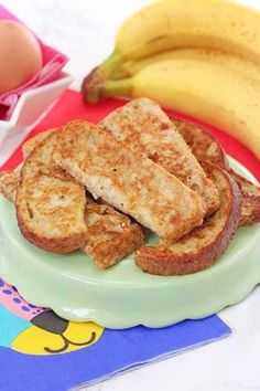 This simple French Toast or Eggy Bread recipe makes the perfect finger food for weaning babies and toddlers!   Baby Led Weaning Recipes