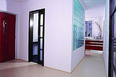 Rekonstrukce bytového jádra - optická otevřenost v prostoru předsíně