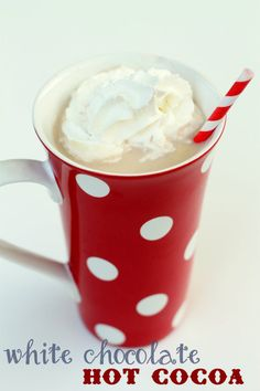 The best White Chocolate Hot Cocoa ever!! Yummy! { lilluna.com } @Kristyn {lilluna.com}