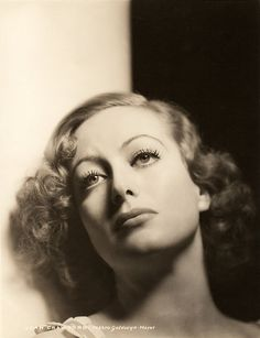 Joan Crawford 1932, photo by Hurrell