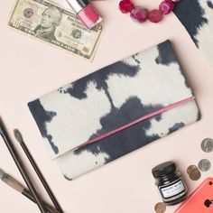 Learn the proper way to dye fabric and make a cute clutch!