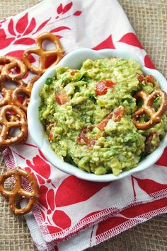 Sriracha & Cubanelle Pepper Guacamole Recipe {Gluten-Free, Dairy-Free, Vegetarian & Vegan} - Savor The Thyme - Food, Family and Lifestyle