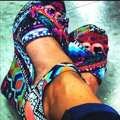 tribal print wedges. In love!
