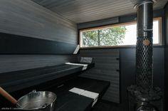Nyt myynnissä upea merenrantakiinteistö Kirkkonummen Porkkalassa. Vuonna 2012 valmistuneessa lomarakennuksessa on kolme makuuhuonetta, keittiö ja olohuone. Lomailu on omakotitalomaista asumista, sillä