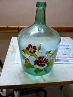1 million+ Stunning Free Images to Use Anywhere Glass Bottle Crafts, Bottle Art, Glass Bottles, Perfume Bottles, Free To Use Images, Painted Wine Bottles, Bottle Painting, Diy And Crafts, Hand Painted