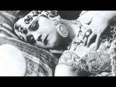 The only surviving footage of Theda Bara in Cleopatra (1917), along with an interview with Bara on Lux Radio Theater (1936).  Sadly, most of Theda Bara's film output was lost.  A 1937 fire at Fox's nitrate film storage vaults in New Jersey destroyed most of that studio's silent films.