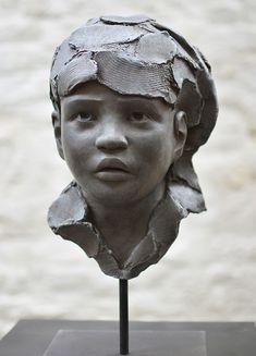 L'enfant soldat Bronze de Chloé Sontrop