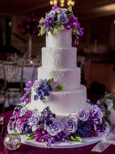 beautiful wedding cake i would do different colored flowers