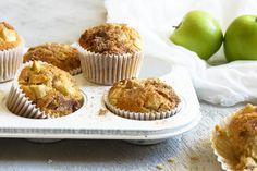 Apple and Sultana Muffins Cinnamon Apple Chips, Cinnamon Cake, Cinnamon Recipes, Healthy Apple Cake, Healthy Cupcakes, Healthy Food, Healthy Eating, Muffin Tin Recipes, Baking Recipes