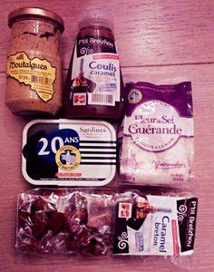 Box #31 -Coulis de caramel Ptit Breizhou ( caramel coulis from Le Ptit Breizhou) -Sardines à l'huile ( canned sardines) -Bonbons aux caramel ( caramel sweets) -Moutalgues ( seaeed mustard) -Fleur de sel de Guérande ( salt cristals from Guerande)