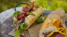 Biffsandwich med karamellisert løk og gorgonzola