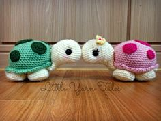 Crochet turtles ♥ This was my first original design. It happened by accident when trying to freehand crochet a cactus for our apartment. I got half way through then realised it could be a turtle. I always wanted a pet turtle so I went with that instead :) I've named them Franklin and Morla! Pattern to come soon, watch this space! :)