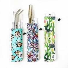 Perfect for traveling with washable straws. Includes interior wet bag for dirty straws. Fabric Crafts, Sewing Crafts, Reusable Things, Straw Holder, Small Sewing Projects, Sewing Ideas, Pouch Pattern, Metal Straws, Wet Bag