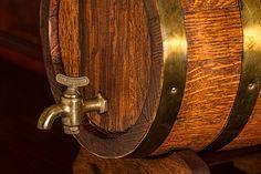 Je to jeden z najstarších a najobľúbenejších alkoholických nápojov na svete. Pije sa už celé tisícročia a poznali ho dokonca v časoch Mezopotámie. Jeho výroba a varenie je hotová veda a pivovarníci len neradi prezrádzajú svojé špeciálne techniky. Rozmýšlali ste niekedy nad tým, ako sa tento zlatistý mok, ktorému prepadol celý svet, vyrába? Základné suroviny, …