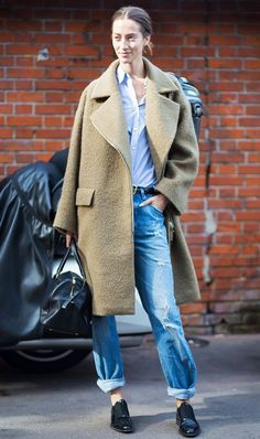 Get inspired by these genius ideas to style your favorite boyfriend jeans, and never wonder how to wear boyfriend jeans again.