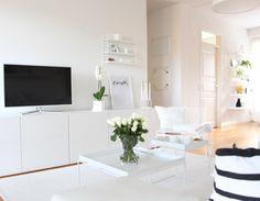 Tv bänk Kanske ngt för oss? Ikea bestå...