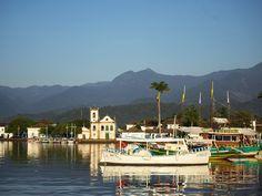 Parati's bay. Photograph by Fernanda Preto
