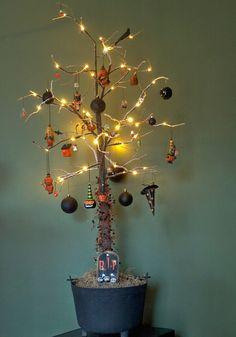 Vintage Halloween Tree