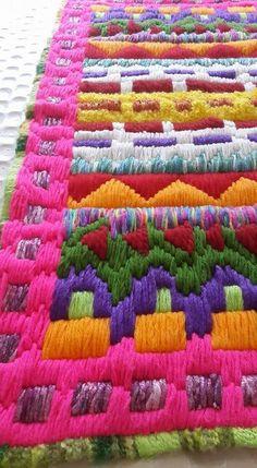 M s de 1000 im genes sobre bordados y tapices en pinterest for Como hacer alfombras en bordado chino
